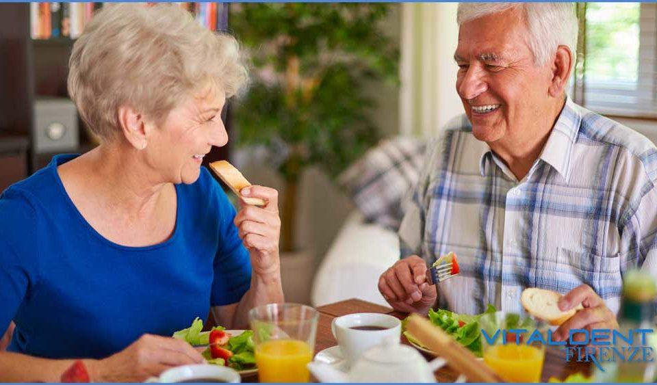 cosa-mangiare-dopo-impianto-dentale